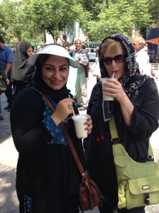 Fatemeh & Pam drinking our Market Smoothies